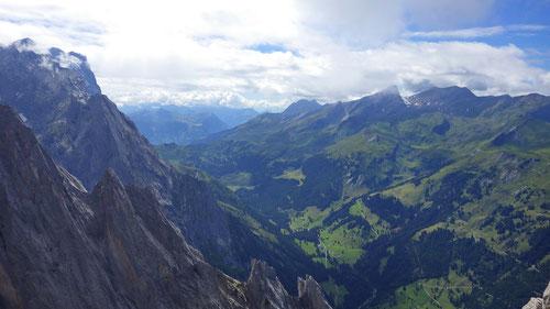 Ausblick vom Gipfel der Vorderspitze.