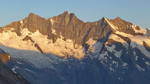 Täschhorn, Dom, Lenzspitze und Nadelhorn bei Sonnenaufgang