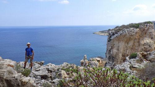 Traumhafte Aussicht vom Kletterspot auf das Meer