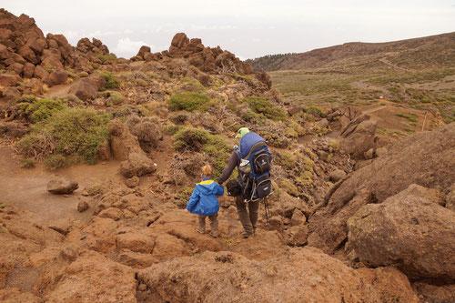 Der Weg verlief durch skurrile Steinslandschaften