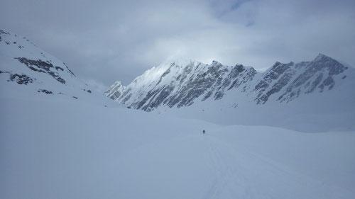 Abfahrt im breiten Val Torta