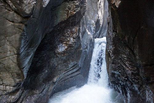 In der Gletscherschlucht bei Rosenlaui.