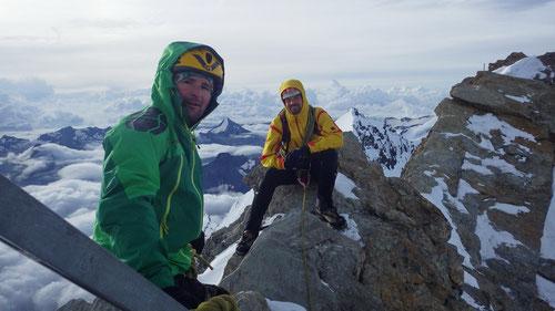 Auf dem Gipfel des Nadelhorns (4'327m)