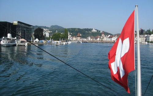 09:14 Uhr Luzern: Dampfschiff fahren