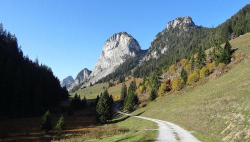 Schon die Hinfahrt auf die Alp Ramseren ist eine Augenweide