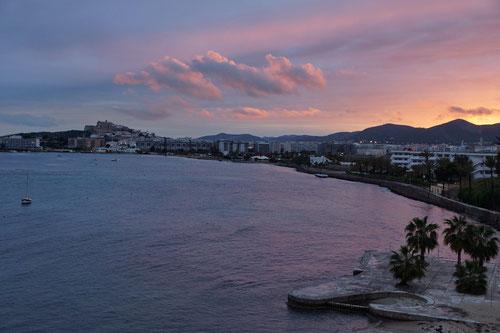 Blick aus dem Hotelzimmer am Abend. Langsam wird das Wetter besser...