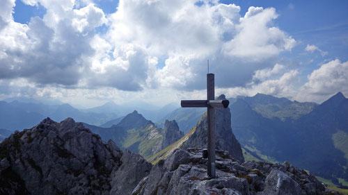 Am Gipfel des Dent de Ruth.