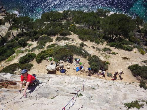 Kletterrouten gleich oberhalb des Meeres