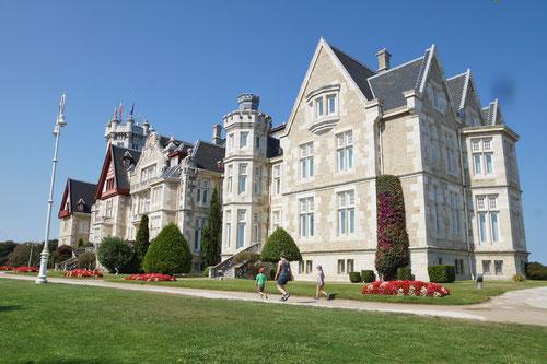 Ehemals die Sommerresidenz der Königsfamilie; heute die Internationale Universität Menéndes Pelayo