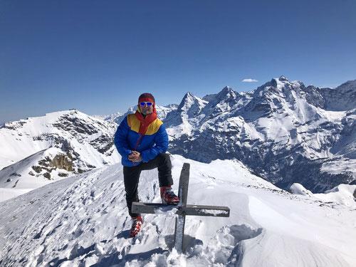 Auf dem Gipfel des Hundshore (2'828m) - Eine prächtige Rundumaussicht!