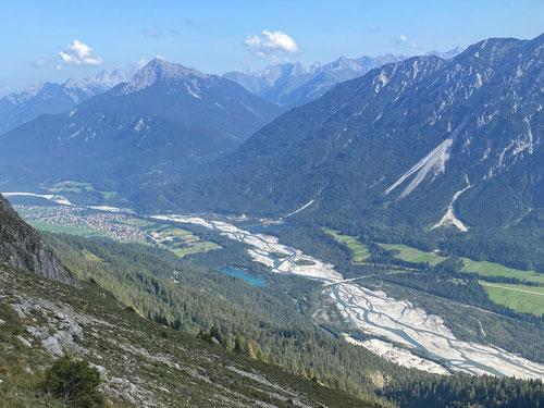 Blick auf Weissenbach und die Lech.