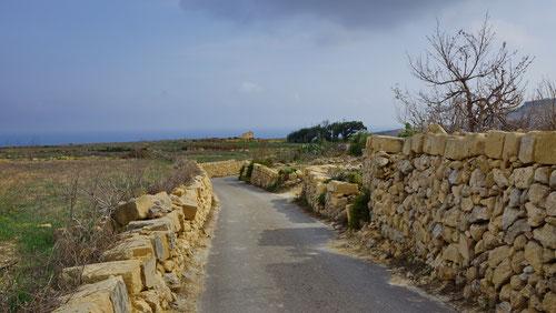 Auf dem Weg zur Kapelle San Dimitri