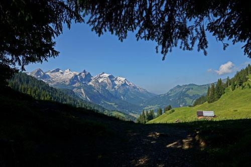 Am Chrine: Der letzte Pass vor dem Abstieg nach Gsteig.
