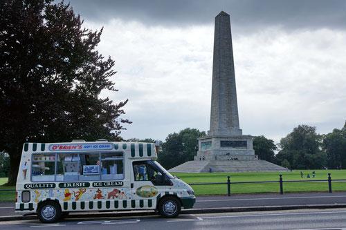 Das Wellington Testimonial Monument, ein 30 m hoher Obelisk.