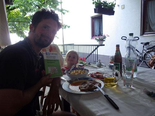 Wieder zu Hause: Exklusives Bergsteigermenu von der Oma Titze eigens für mich zubereitet!