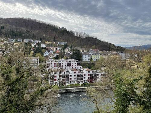 Von Badens Altstadt hat man einen guten Ausblick auf den Grat des Lägern