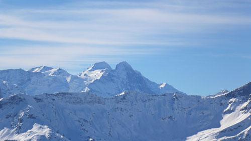 Tolles Gipfelpanorama wie hier auf den Eiger und Mönch.