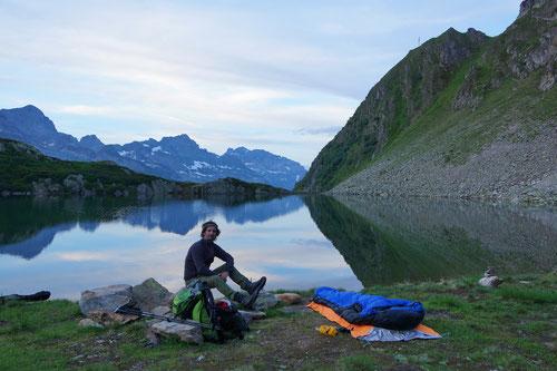 Mein Übernachtungsplatz am Brisensee. Wer würde sich da nicht gerne hinlegen?