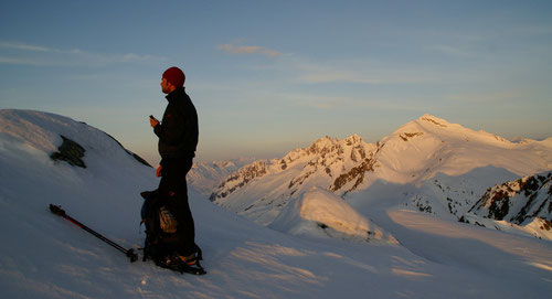 Am Gipfel der Fibbia bei Sonnenaufgang