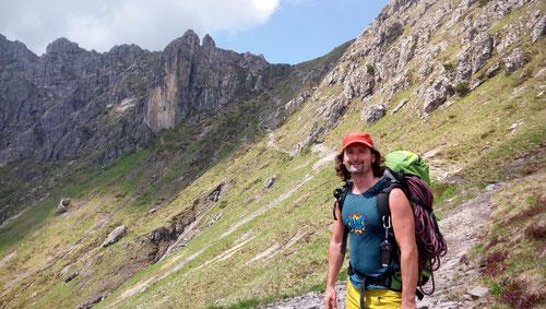Auf dem Weg zum Torrione Brassamonti (im Hintergrund)