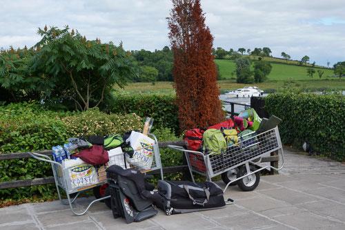 Unser Gepäck und Verpflegung für die Hausbootwoche.