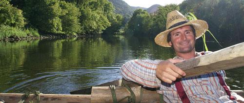 Unterwegs mit Huckleberry Finn auf einem selbst gebauten Floss