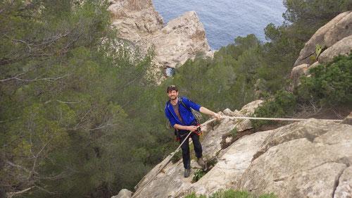Abstieg nach Sombra mittels fix installierter Kordel