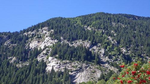 Nach einem erfolgreichen Tag: Blick zurück auf die Felsen von Freggio.
