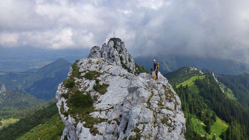 Auf dem Hauptgipfel der Kampenwand (1'669m)