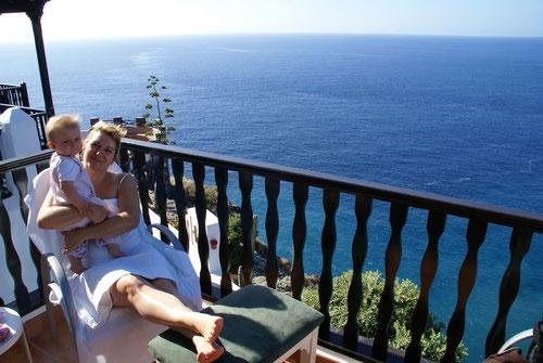 Entspannung auf unserer Terrasse im Jardin Tropical Tecina oberhalb der Klippen