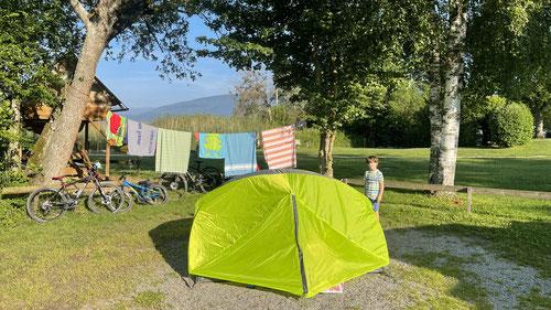 Unser Zeltplatz ganz vorne am Seeufer.