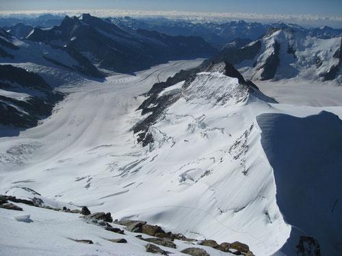 Grandiose Rundumaussicht auf dem Gipfel
