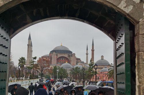 Blick auf die Hagia Sophia, unser nächstes Ziel.