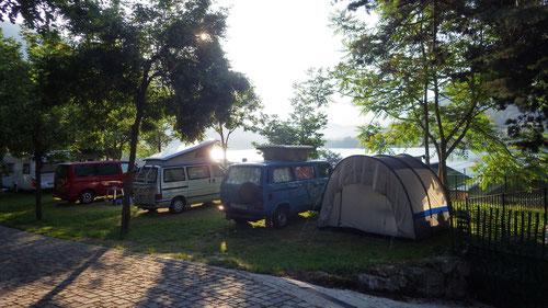 Auf dem Camping La Tartufaia am Lago di Éndine