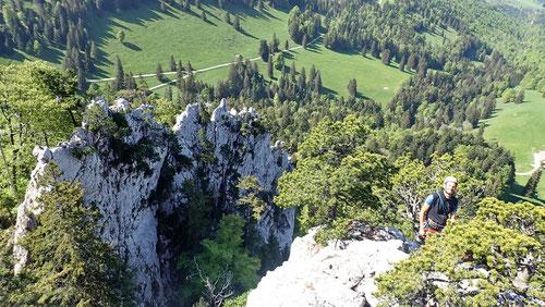 2020/05: Unterwegs auf der Petite Arête der Aiguilles de Baulmes. Links die grossartige Grande Arête (CH/VD).