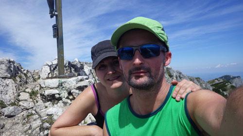 Am Gipfelkreuz des Berchtesgadener Hochthrons (1'972m)