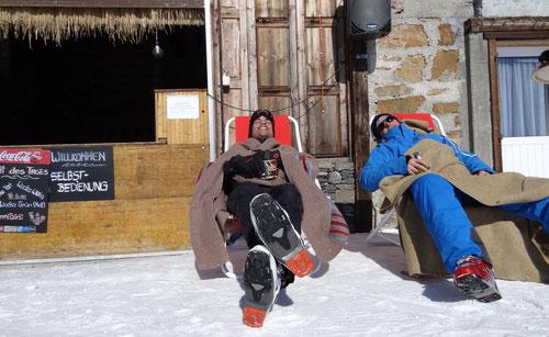 Relaxen an der Schneebar