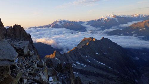 08/2019: Sonnenaufgang auf dem Weg aufs Bietschhorn (VS/CH)