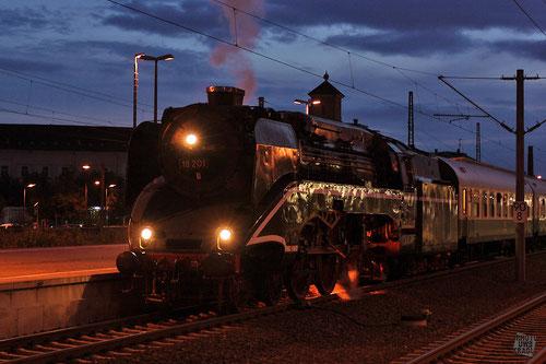 BR18 201 im Bahnhof Reichenbach/Vogtland (die schnellste betriebsfähige Dampflok der Welt)