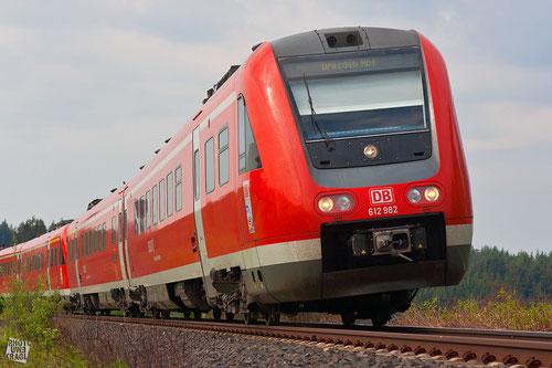 """Der """"Franken-Sachsen-Express"""" bei Marktleuthen im Fichtelgeb., DBAG-Baureihe 612 (Neigetechnik)"""