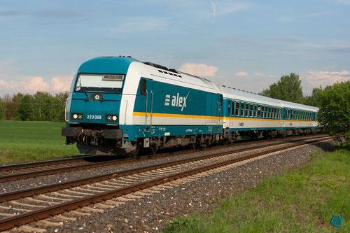 """Hier kommt Alex"", BR 223 069 des Arriva-Länderbahn-Express (ALEX)"