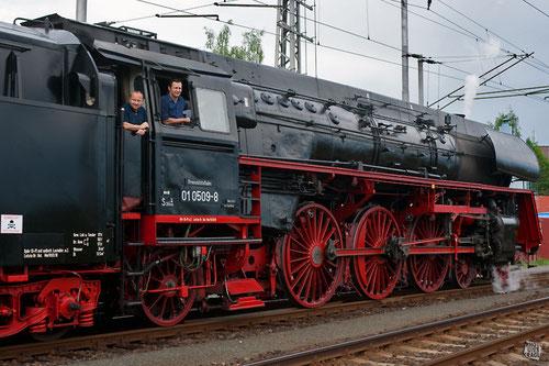 die ölhauptgefeuerte Schnellzug-Dampflokomotive 01 0509-8 der Pressnitztalbahn GmbH
