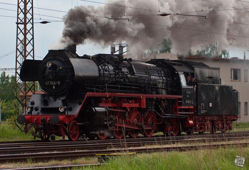 BR 41 im Bahnhof Eger