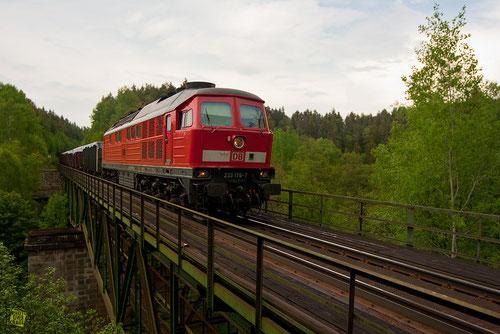 DBAG-Baureihe 232 mit Güterzug zwischen Eger und Marktredwitz