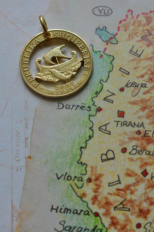 Münzsagewerk Katrin Thull | Albanien -  Schiff und Delphin