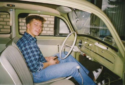 Der stolze Besitzer! (Was war ich jung! Und vor allem: Ich hatte noch Haare!!! ;-)