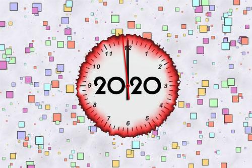 Susan CiprianoによるPixabayからの画像(新しい年の時計)