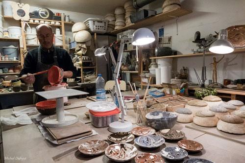 Benoist Lagarde 0608776406           Artistes et professeur de poterie à la cour des arts à Vauréal
