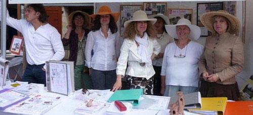 L'équipe d'Arts et Artistes Dicton bienveillance et passion...!
