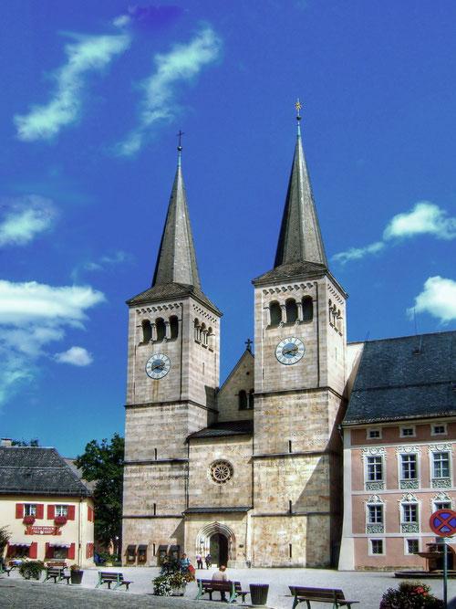 Schlossplatz mit Stiftskirche
